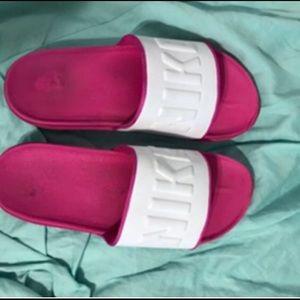 NWOT. Women's Nike Off Court Slides